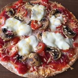 Volkorenwrap als pizza